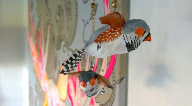 Zebrafinker i pap maché