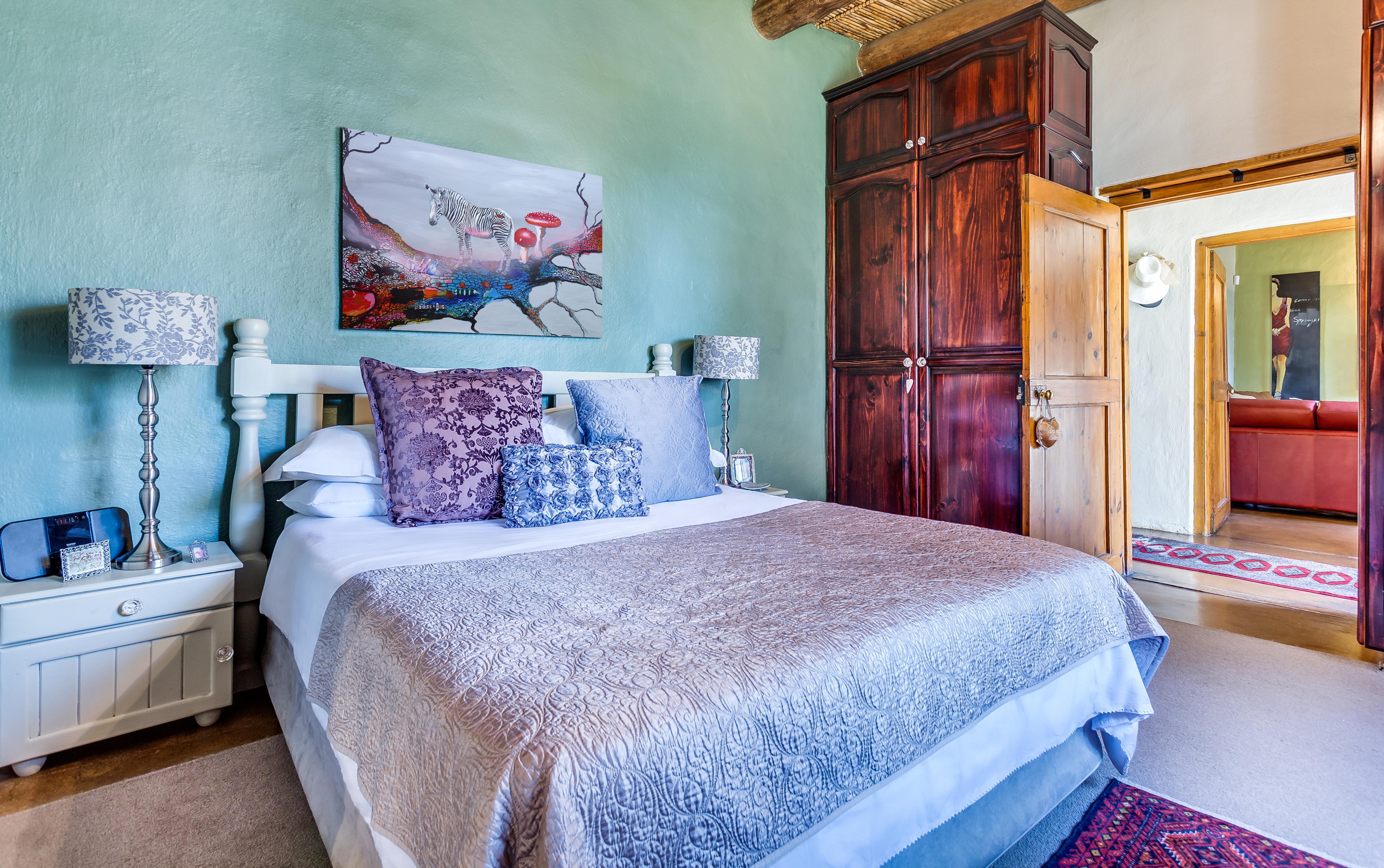 Maleriet efter eventyret placeret i et smukt soveværelse. Foto © creativecommonsstockphotos - Dreamstime.com